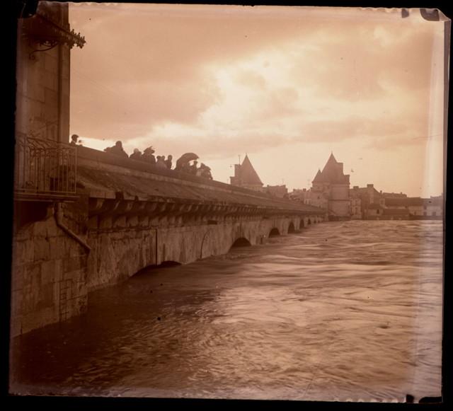 Inondation Arches Pont Henri IV